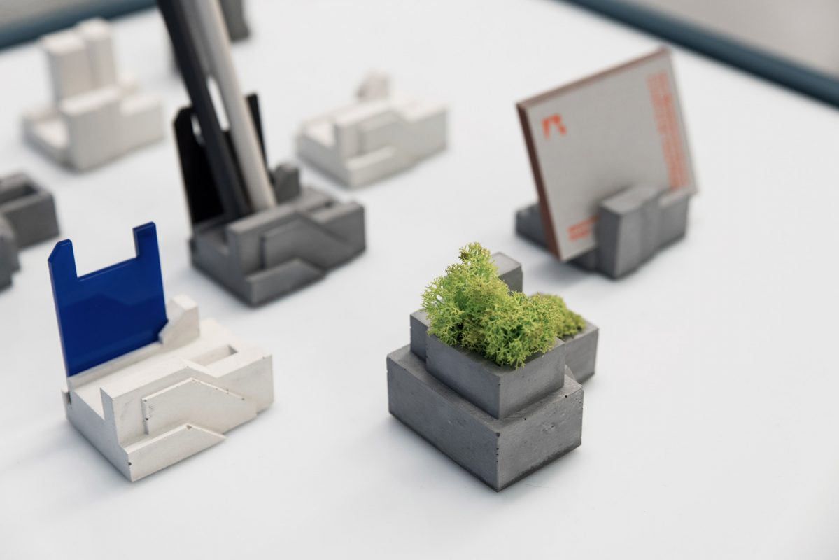 B2B gift collection in brutalist style made of concrete