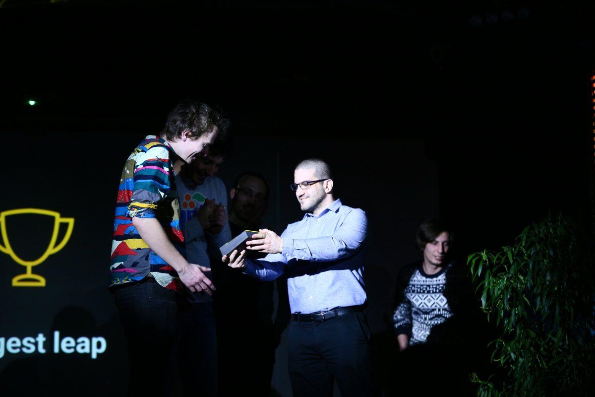 Design Terminál mentor programjának ünnepsége egyedi beton trófeával