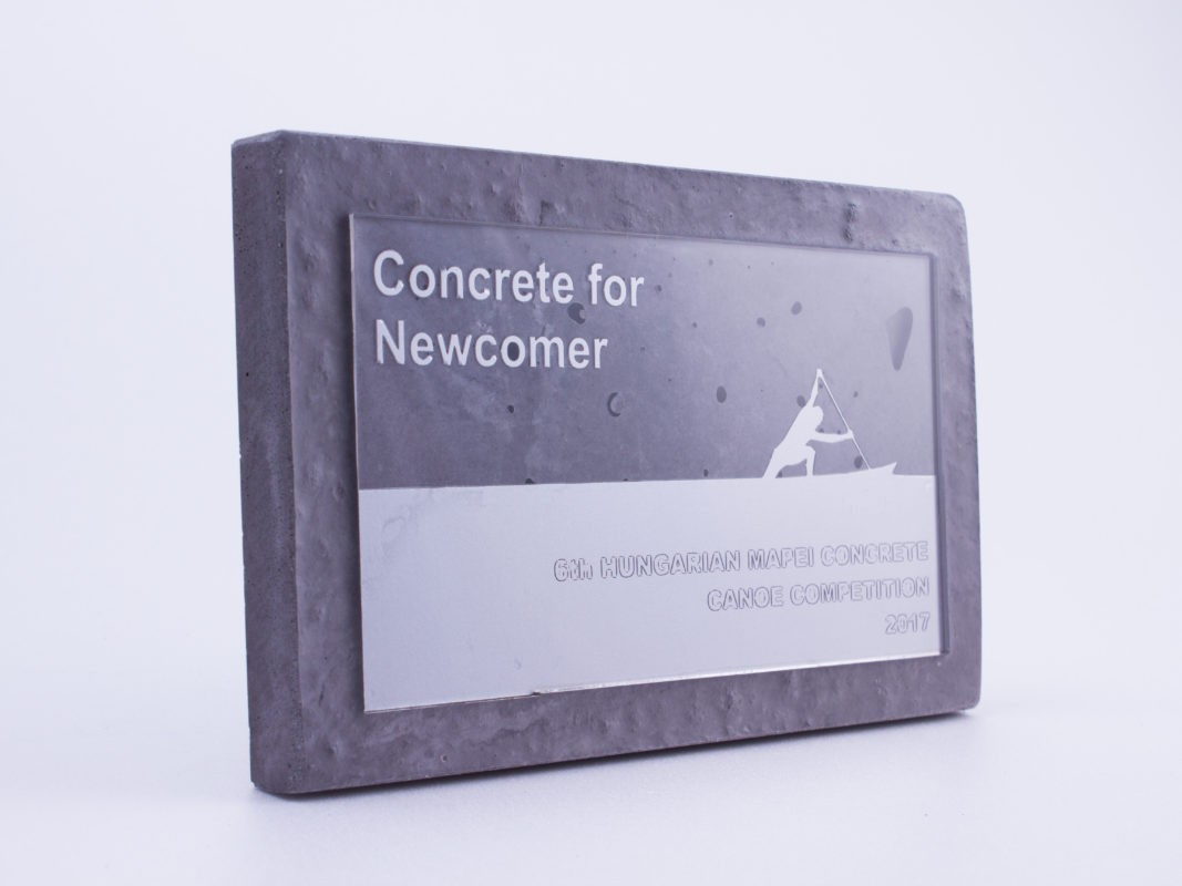Concrete competition plaque for the newcomer participants