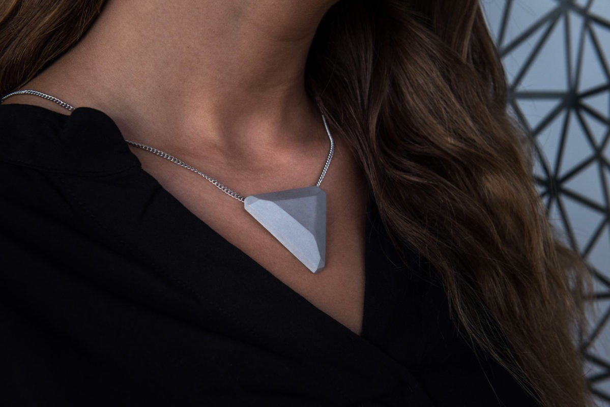 concrete-design-necklace-triangle