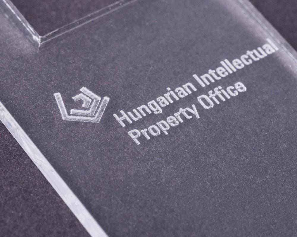 Custom logo on corporate gift solution