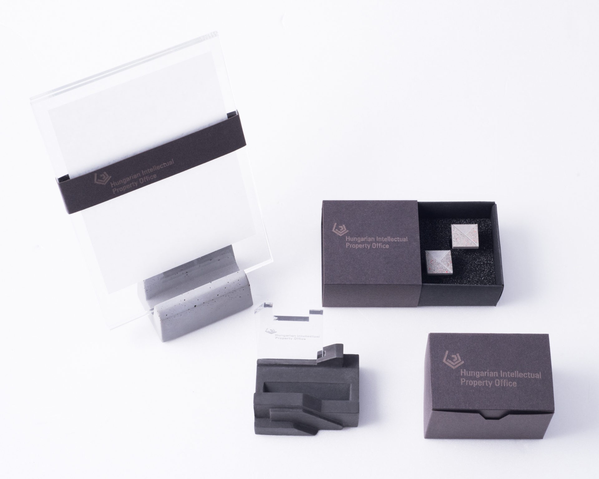 Business gift collection with custom made packaging