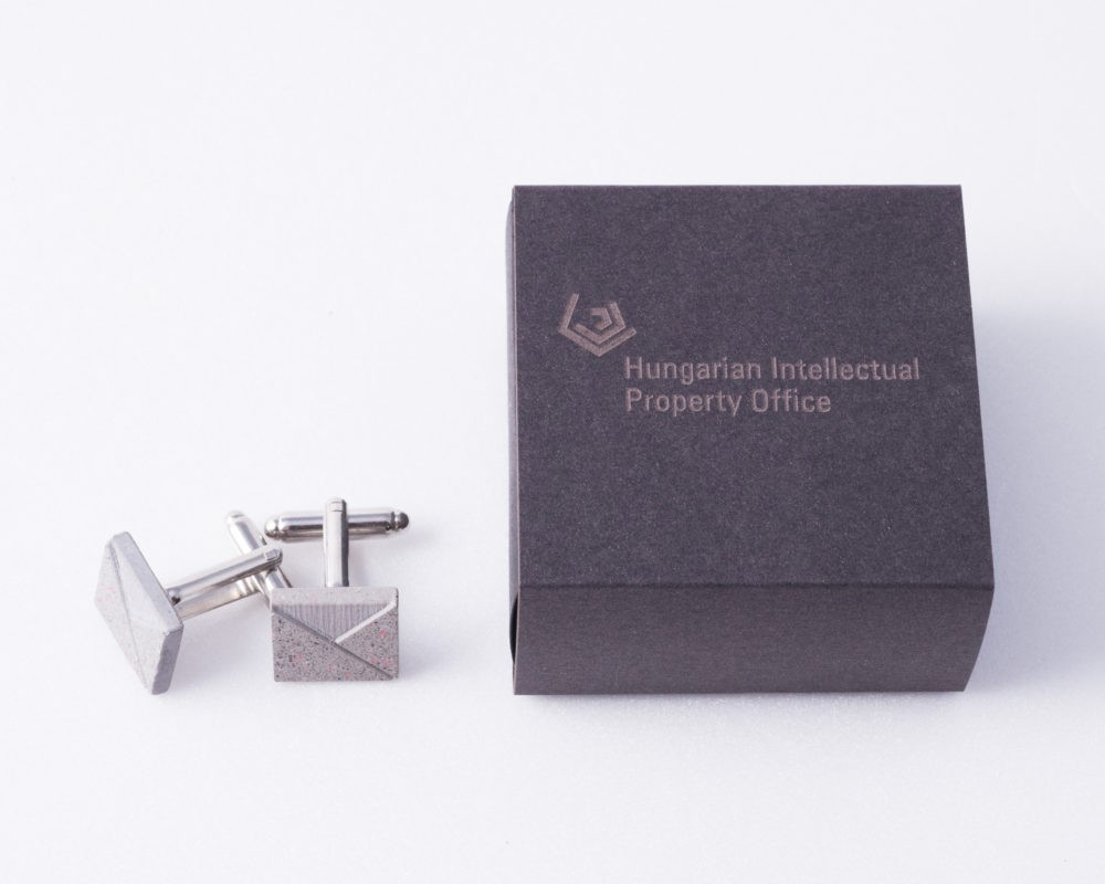 Cufflinks as diplomatic gifts