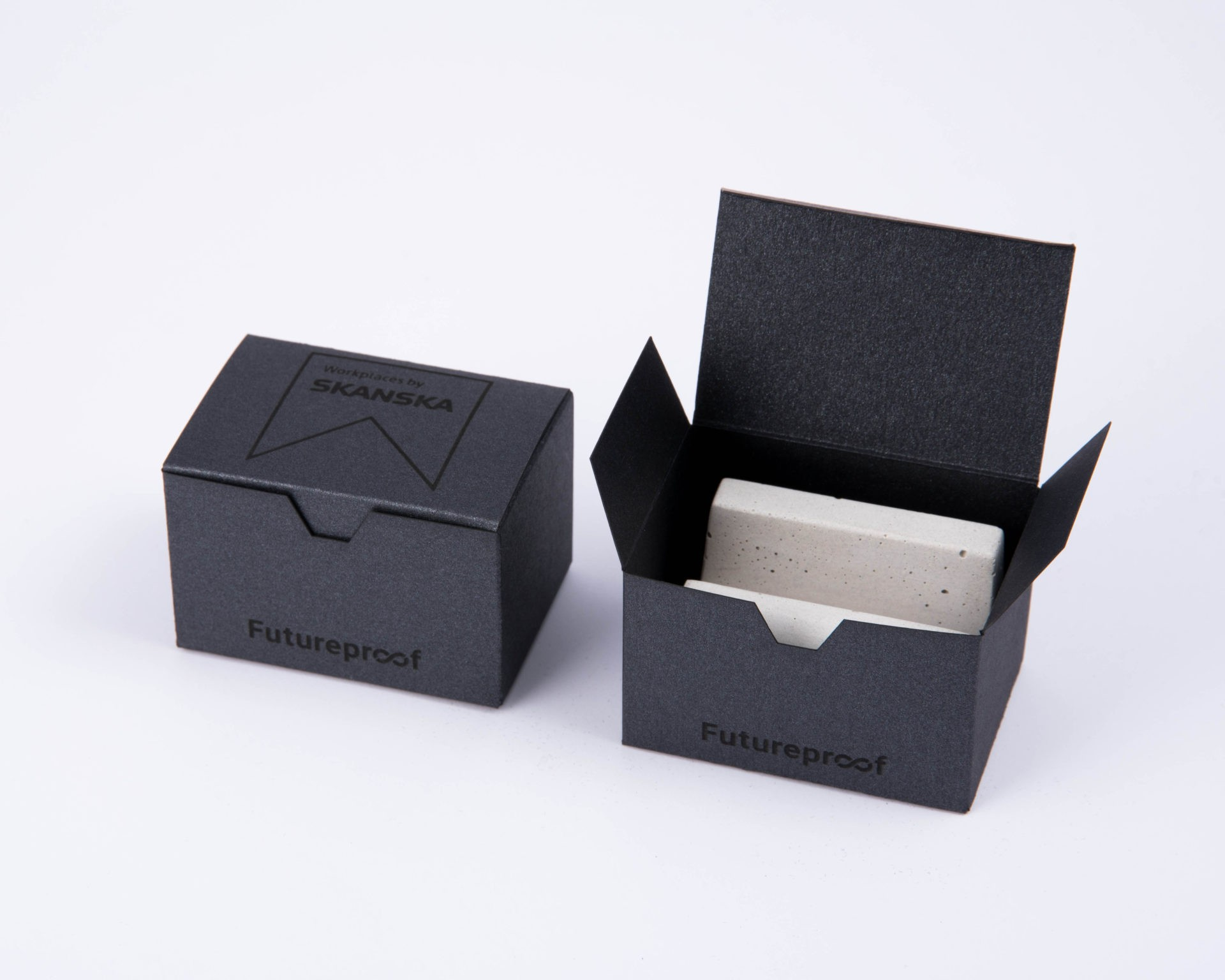 Customized packaging for Skanska's business gift collection