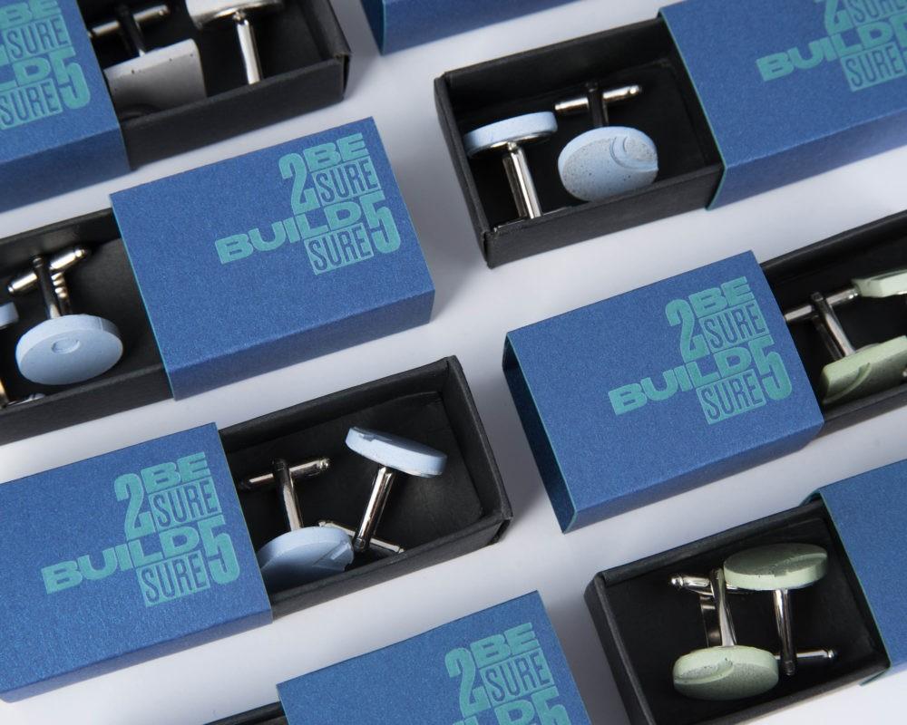 Menő beton mandzsettagombok céges ajándékként üzleti partnereidnek egyedi ajándék dobozban