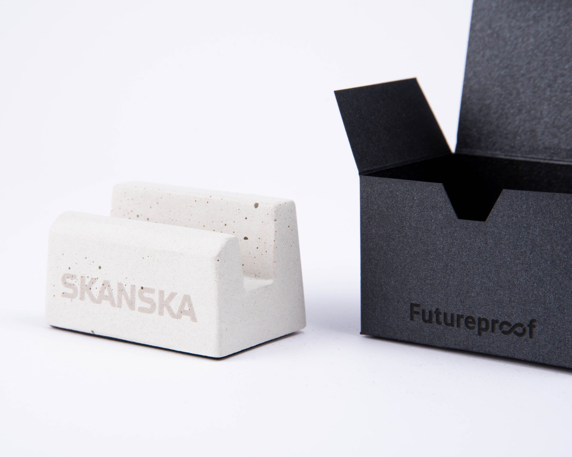 Exclusive business gift with Skanska logo and custom made packaging